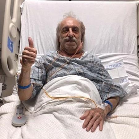 a cirurgia durou sete horas e foi um sucesso 1573766647352 v2 450x450 - TINHA 3 QUILOS: Homem tira tumor do tamanho de uma bola de futebol do pescoço