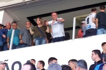 TORCIDA DIVIDIDA: Bolsonaro é recebido com vaias e aplausos na Vila Belmiro – VEJA VÍDEO