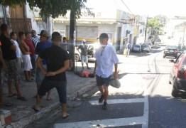 Ex-presidiário é esfaqueado no meio da rua no Centro de João Pessoa