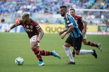 Flamengo vence Grêmio e pode ser campeão Brasileiro no próximo domingo