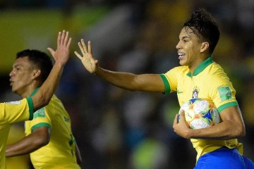 kaio jorge comemora gol do brasil contra a franca no mundial sub 17 1573778670949 v2 900x506 - Brasil reage, vira contra França e pega México na final do Mundial sub-17