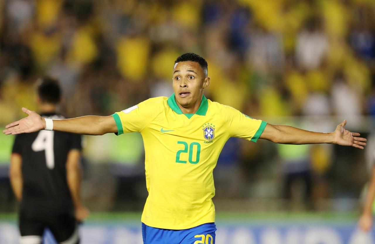 """lazaro faz o gol da virada do brasil contra o mexico na final da copa do mundo sub 17 1574035560351 v2 1920x1248 - Lázaro: """"herói"""" do título da sub-17 terá multa de R$ 365 mi quando fizer 18"""