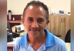 AINDA É SUCESSO: cachê do cantor de 'Caneta Azul' mais que dobra e chega a 20 mil reais