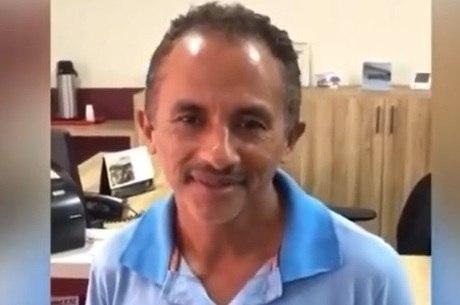 manoel caneta azul 30102019151817598 - 'É FAKE NEWS': autor de 'Caneta Azul' reage e diz que não é ele em vídeo de sexo com outro homem