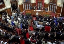 DEPUTADOS, SENADORES, PRESIDENTE E VICE: Congresso da Bolívia aprova novas eleições gerais