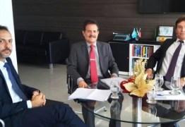 Tião Gomes participa de reunião com presidente do TJ e trata da reestruturação de cartórios na Paraíba