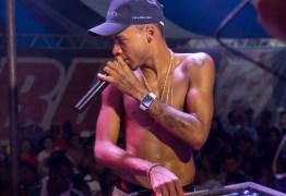 DJ Rennan da Penha lança primeira música, após saída da prisão, e celebra retorno em verso; VEJA VÍDEO