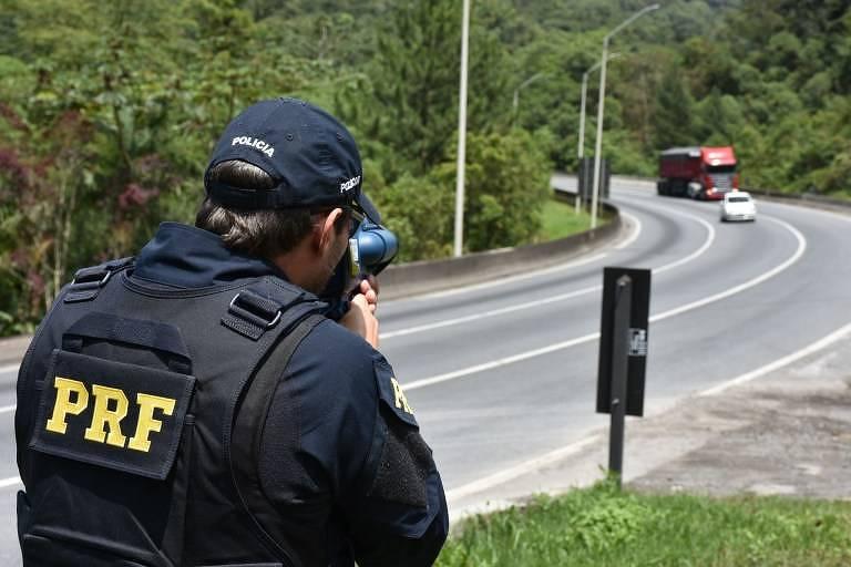 15659844435d5706bbac95f 1565984443 3x2 md - Bolsonaro diz que radares voltarão apenas para 'fotos educativas'