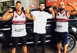 GABIGORDO OSTENTAÇÃO: Sósia de Gabigol colhe frutos da 'fama' e desfila com carrão de R$100 mil