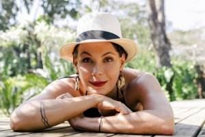 1 sem t  tulo 13201044 300x201 - Carolina Ferraz revela que não aceitará mais papéis em novelas