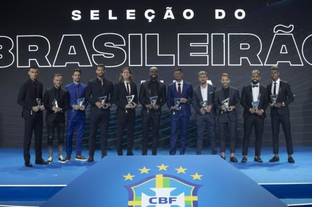 20191209211921 209 300x200 - Atletas que brilharam no Brasileirão e no Brasileiro Feminino são premiados nesta segunda-feira