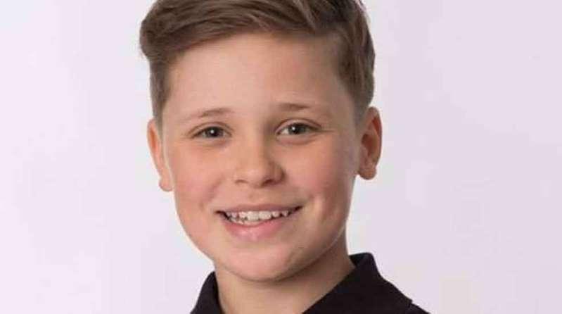 AAK37IR - Ator de 14 anos de série da Netflix é encontrado morto em casa