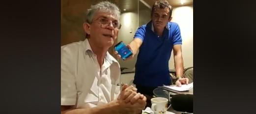 CORTINHO - Ricardo diz em Sousa que se for disputar em João Pessoa  prefere enfrentar o radialista Nilvan Ferreira - VEJA VÍDEO