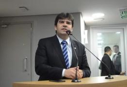 ALPB aprova projeto de Eduardo que proíbe benefícios para empresas envolvidas em corrupção