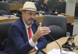 'Ricardo é um homem simples do povo que paga uma conta, assim como Lula pagou', diz Jeová Campos sobre prisão – OUÇA