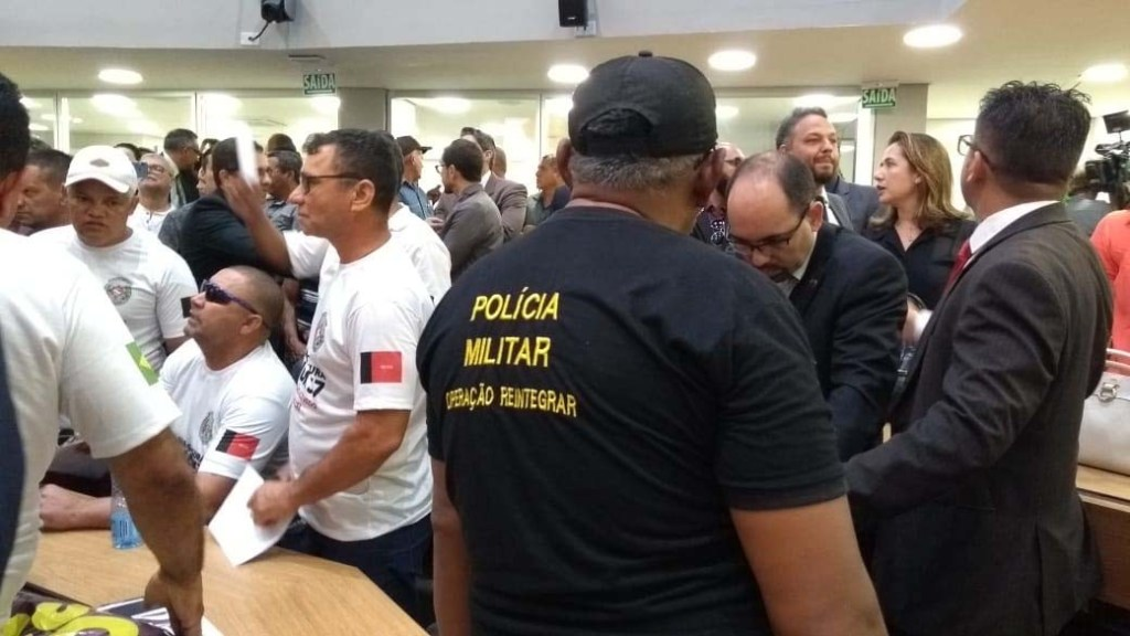alpb3 1024x576 - REFORMA DA PREVIDÊNCIA: Servidores da PM ocupam plenário e pedem audiência na ALPB