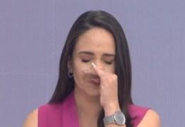 Apresentadora da Globo se emociona com menino de 11 anos que salvou a mãe