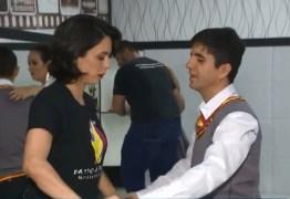 'A DANÇA É PARA TODOS': Professora adapta aulas de dança para aluno cego em Campina Grande