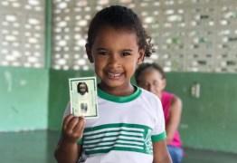 Crianças de Campina Grande recebem o primeiro RG no Projeto Cidadania de Primeira