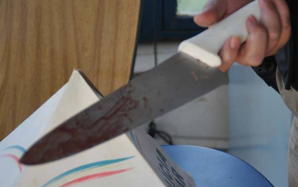 faca1 - CRIME: criança de 5 anos e seu pai são mortos a facadas em Riachão do Poço