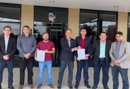 """Oposição vai à Justiça parar barrar reforma da previdência em Campina e é chamada de """"desonesta"""""""