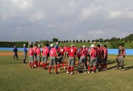 Dupla latina constrói futuro através do beisebol, no Brasil