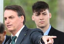 NOVO INTEGRANTE DO CLÃ: Caçula de Bolsonaro se une ao pai na carreira política