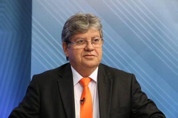 joao azevedo 2 620x413 - João Azevêdo entrega reforma de escolas em João Pessoa e autoriza obras em Pocinhos