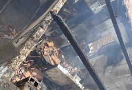 Policial militar é suspeito de atear fogo na casa da ex-companheira em Patos
