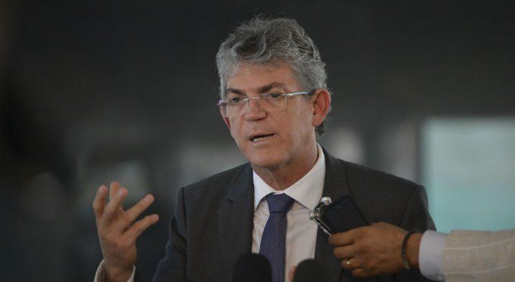 ricardo coutinho 748x410 - ESQUEMA CRIMINOSO: Ricardo Coutinho e mais 7 são denunciados pelo MPPB no Caso Lifesa