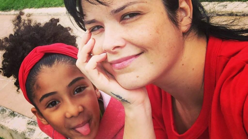samara felippo e filha 1024x576 - Samara Felippo conta caso de racismo com a filha e desabafa: 'Chorando de ódio'