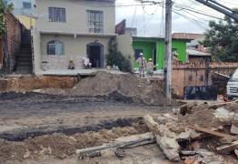 Muro de casa é 'engolido' por cratera em vídeo impressionante feito por moradores – VEJA VÍDEO