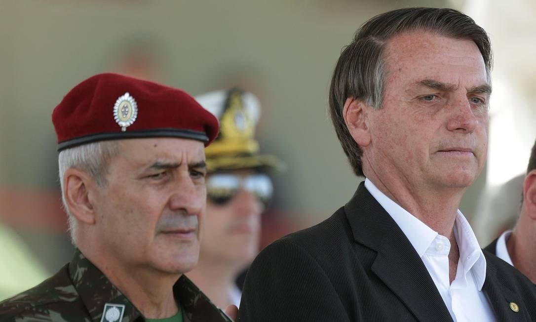 xbolsonaro.jpg.pagespeed.ic .G7D6hlcNB3 - Aqui é um serpentário, e eu sou um dos alvos, diz ministro de Bolsonaro
