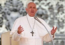 Papa Francisco recebe primeira dose de vacina contra o covid-19 no Vaticano