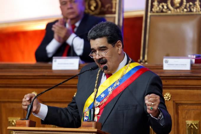 2020 01 14t191758z 1382331844 rc2vfe9tvt73 rtrmadp 3 venezuela politics - Maduro ameaça 'arrebentar os dentes' de Bolsonaro