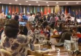 Ministra Damares Alves é alvo de protesto na Conferência Regional da Mulher da América Latina – VEJA VÍDEO