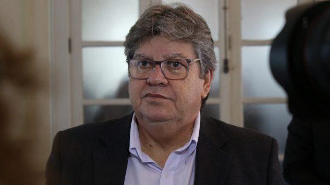 """JOAO 1 666x375 1 - ELEIÇÕES 2020: """"Não poderia impedir candidaturas de aliados, mas dessa escolha devem ser colhidos o ônus e o bônus"""", afirma João Azevêdo"""