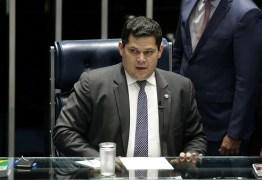 NEM TUDO DEVE SER DITO: presidente do Senado dá aviso a Bolsonaro