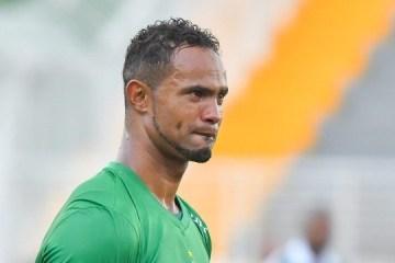 Agência que gerencia goleiro Bruno diz que ele jogará por empréstimo no Brasil
