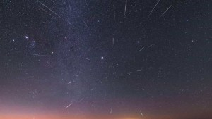naom 5dee59d37eb3f 300x169 - ESTA NOITE: vem aí a primeira chuva de meteoros da década
