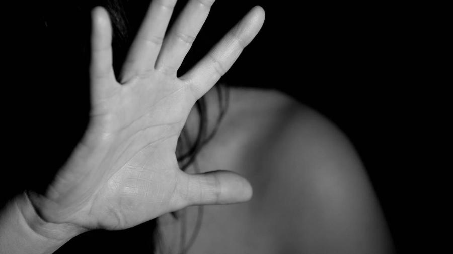 violencia contra a mulher 1568396486119 v2 900x506 - Mulher é esfaqueada em Campina Grande e ex-marido é o principal suspeito