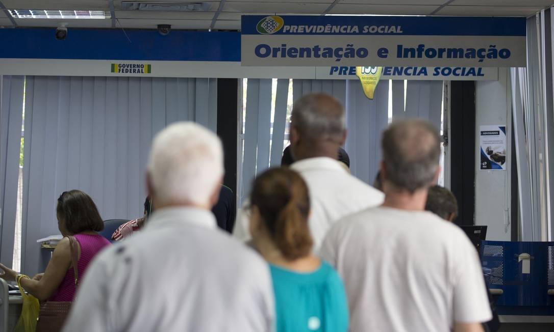 x80651637 EC Rio de Janeiroi RJ 15 01 2019 Movimento nas agencias do INSS Na foto agencia da Previden 3.jpg.pagespeed.ic .uUThXi5v4y - Prova de vida do INSS é adiada para 31 de outubro