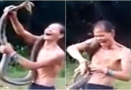Encantador de cobras morre após ser picado durante apresentação; VEJA VÍDEO