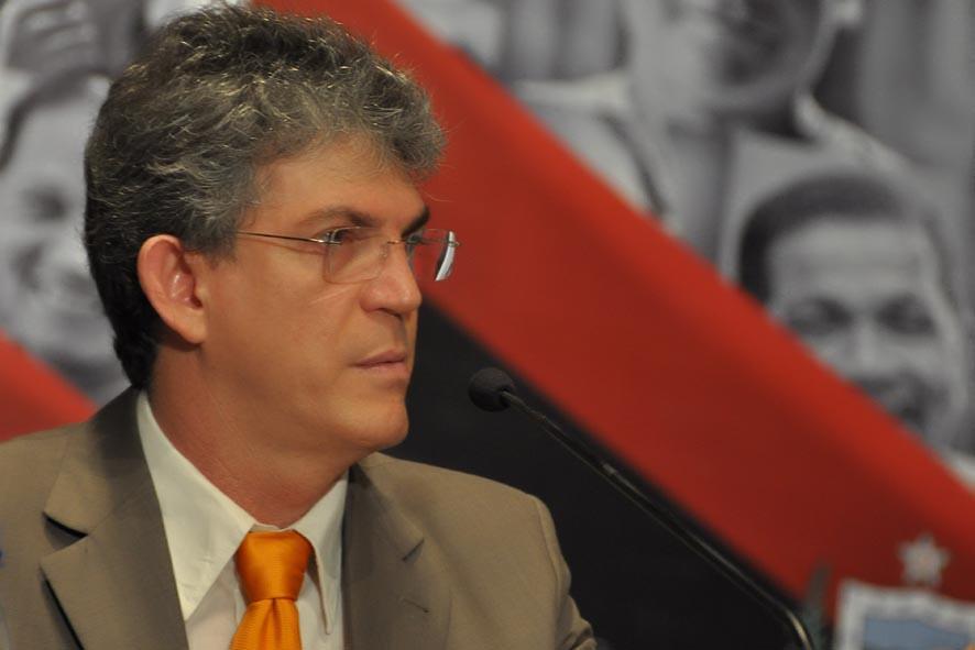 5684847526 2c9dc222d4 b - Ricardo Coutinho: ruim com ele? muito pior sem ele! - por Milton Figueirêdo