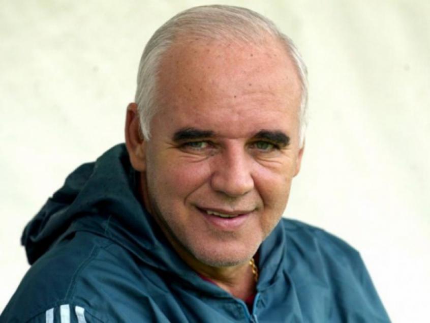 5d0c045ed25ba - Campeão mundial pelo Grêmio, Valdir Espinosa morre aos 72 anos