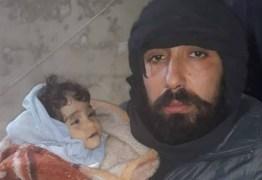 CONFLITO NA SÍRIA: Crianças morrem congeladas enquanto os ataques provocam o maior êxodo da guerra