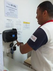 Biometria Ecos4 225x300 - Ecos implanta ponto biométrico nas escolas e reduz falta e abandono de postos de trabalho
