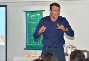 LEONARDO GACIBA 300x208 - Em palestra na PB, chefe de arbitragem da CBF anuncia uso do VAR fora dos estádios