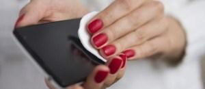 LIMPEZA CELULAR 300x130 - EM TEMPOS DE CORONAVÍRUS: Saiba como limpar seu celular corretamente sem estragá-lo