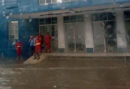 SEMÁFOROS PARADOS, RAIOS E ALAGAMENTOS: João Pessoa passa por transtornos após chuva intensa – VEJA IMAGENS